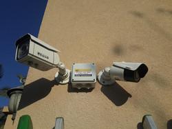 מצלמות אבטחה FULL HD