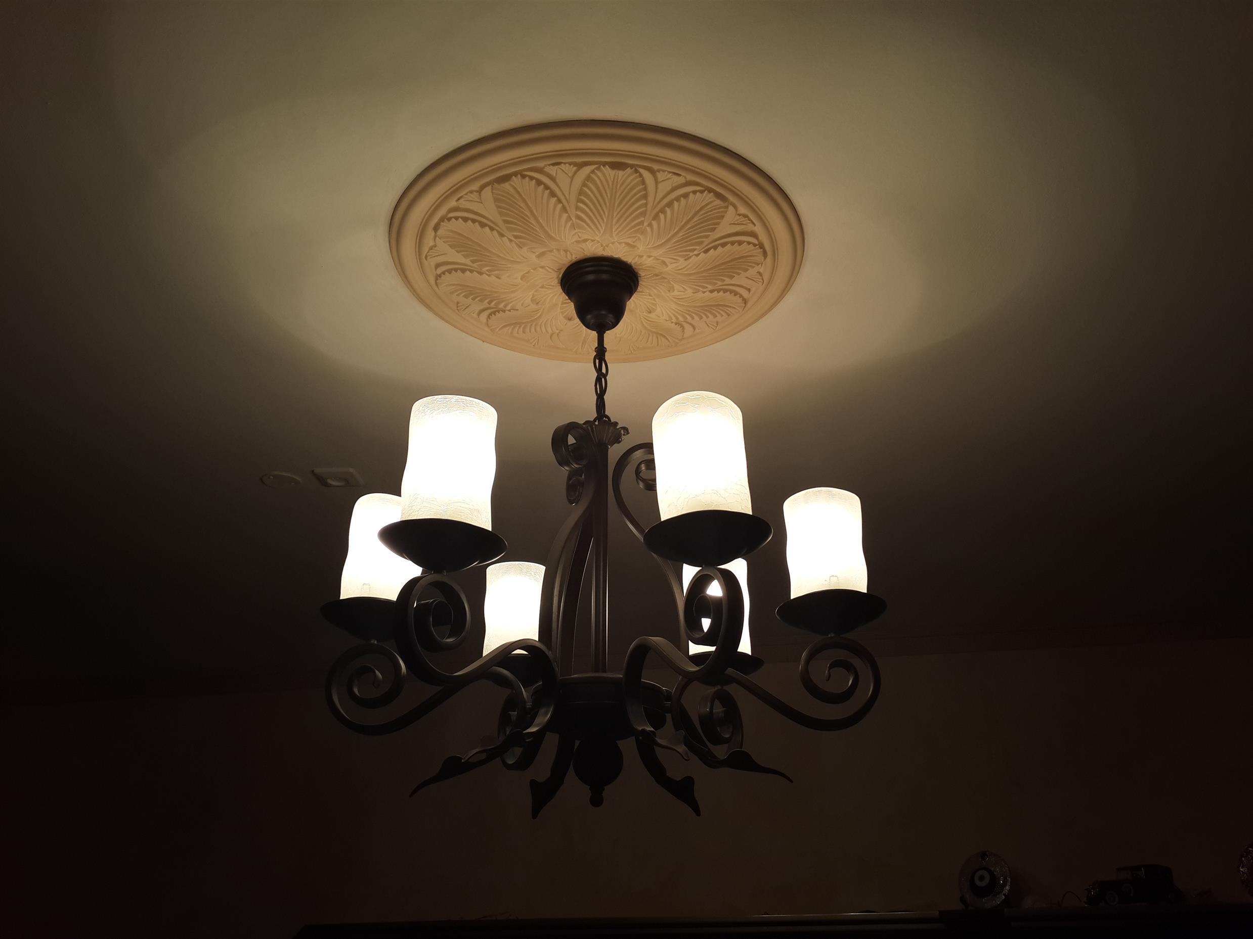 התקנת מנורות