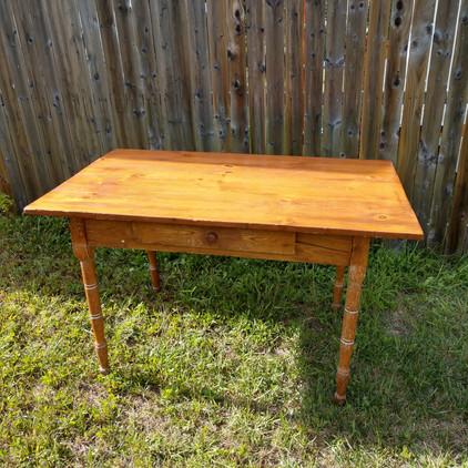Pine Sweetheart Table
