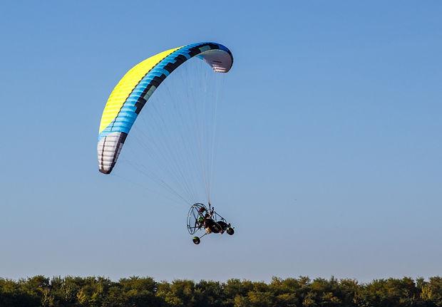 курс по парапланеризъм моторно летене па