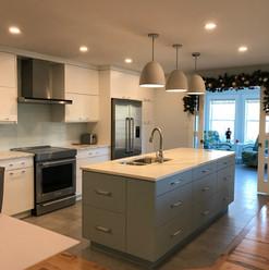 14. Kitchen.jpeg
