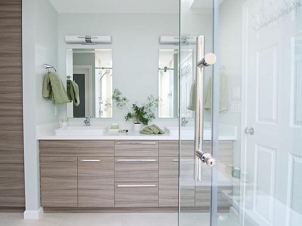 modern master bathroom design
