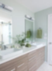 green bathroom accessories