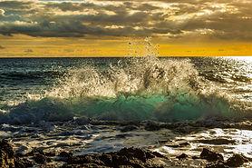 wave-3890859_1920.jpg