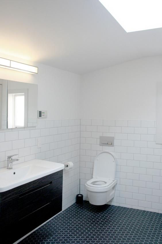 wilkinson bathroom 2.jpg