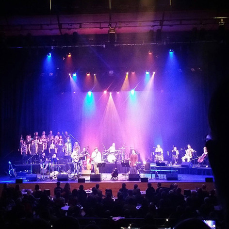 Craigie Choir on backing vocals for Made in Perthshire gig at Perth Concert Hall and again at Celtic Connections