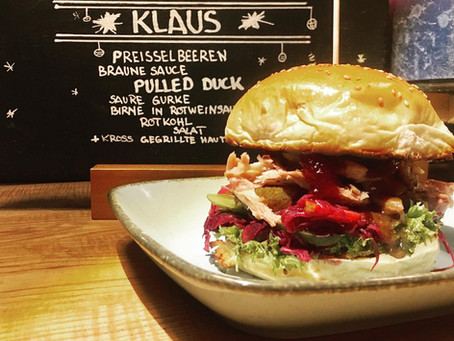 X-Mas Special Pulled Duck Burger