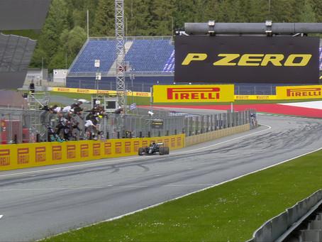 Mercedes feiert Doppelsieg in Österreich