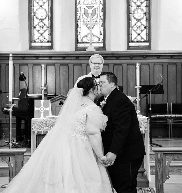 GraceChurch Wedding KathyBartus Daughter AndreaJoy B+W Altar from FB R 900 x 953.jpg