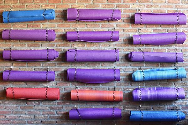 Suzanne YogaPic FreePixaBay yoga-mat-174