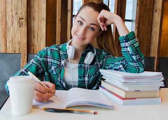 VNA TeenStudyingSmile Free PixaBay girl-