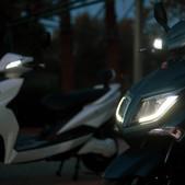E-sporty by night scooter électrique