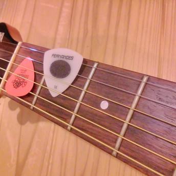 ギターの弦、張替え。