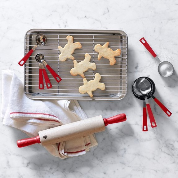 Baking is made easy with this cute set