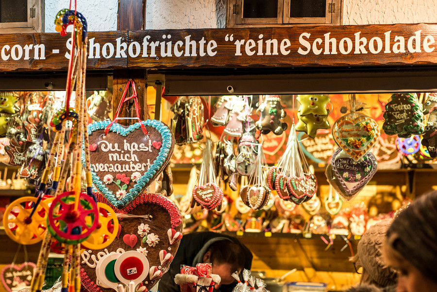 Lebkuchen are ginger flavoured cookies popular to give as a Valentine's Day gift in Germany