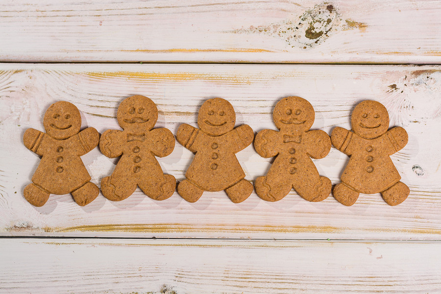 Invite over the friends and their kids and decorate these little men!