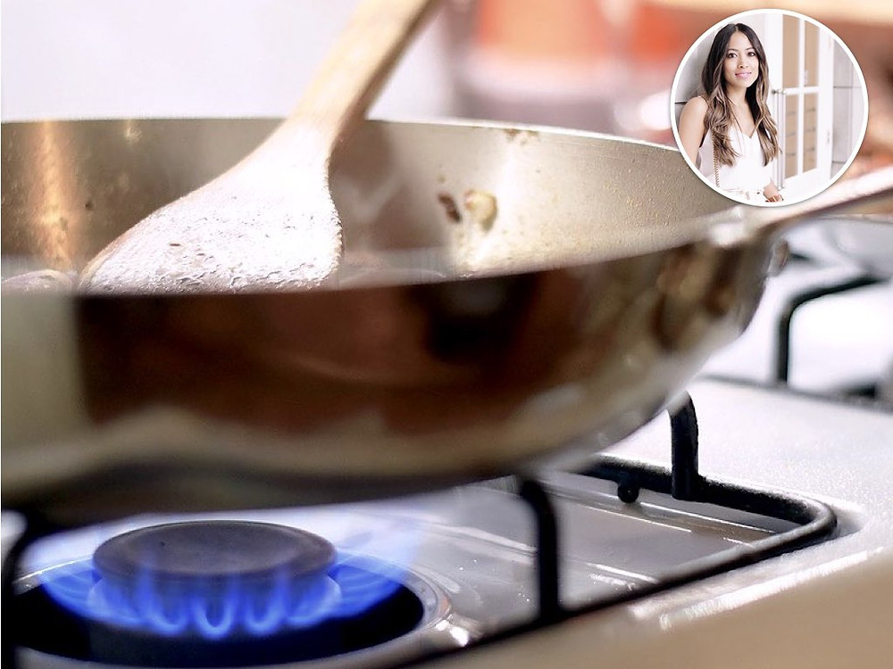 A Gas Range let's you cook quick and control temperature