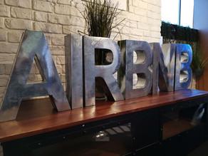 Airbnb monte au créneau pour défendre les hôtes