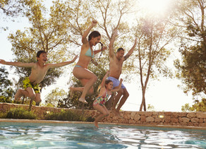 Les français préparent leurs vacances d'été mais ne réservent pas encore