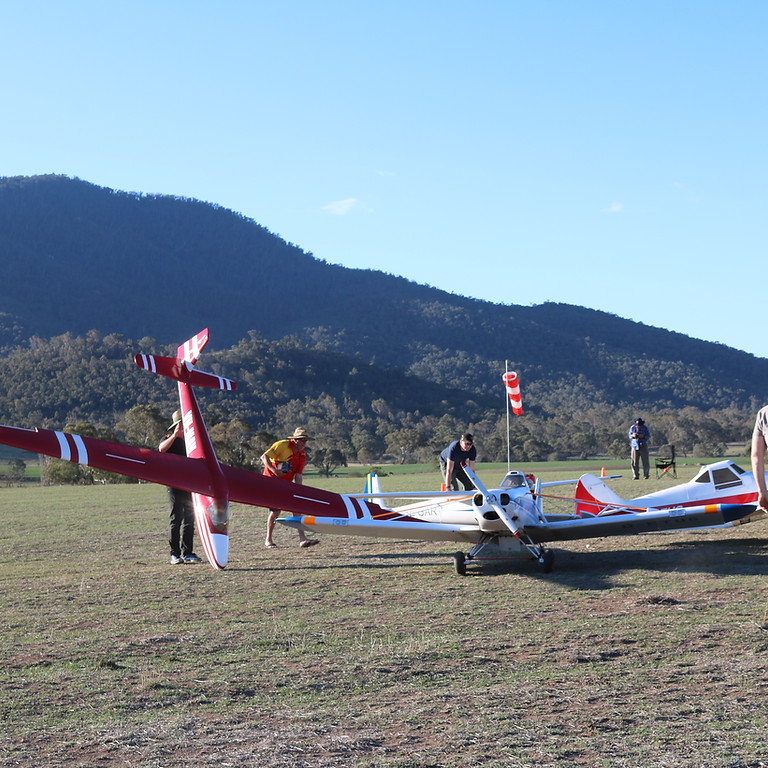 """Canberra Aerotow 2021 """" It is on again"""""""