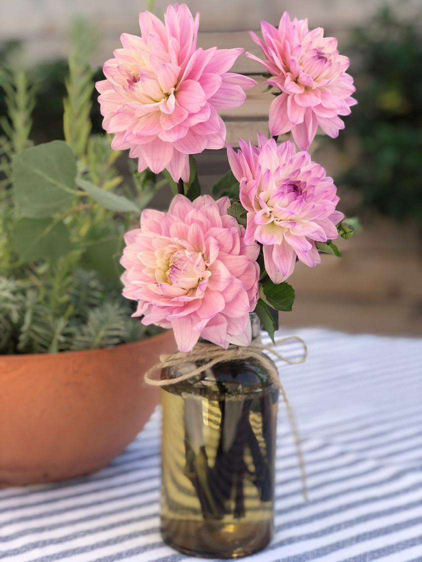 outdoor deck summer table modern garden floral design