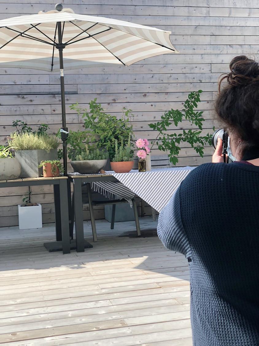 outdoor deck summer table modern garden design