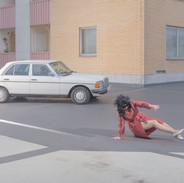 Vrouw aan het stuur is bloed aan de muur