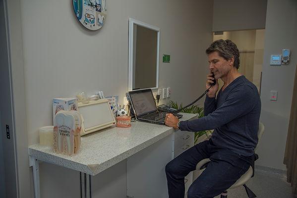 in Adrian longworths dental consult room byhttps://niceguyandphotographer.com/