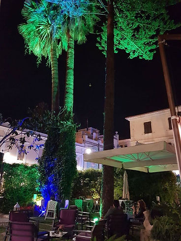 Giardino di Notte con luci Namaste