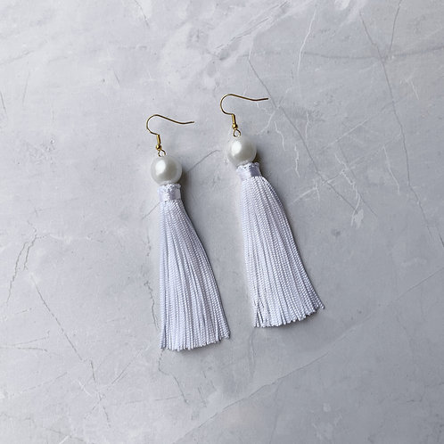 Girl Meets Pearl Lily White Tassel
