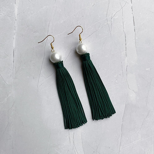 Girl Meets Pearl Mistletoe Green Tassel
