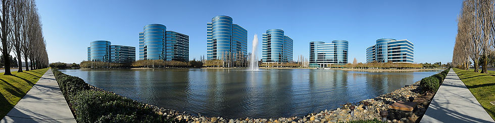 1200px-Oracle_Redwood_City_February_2013