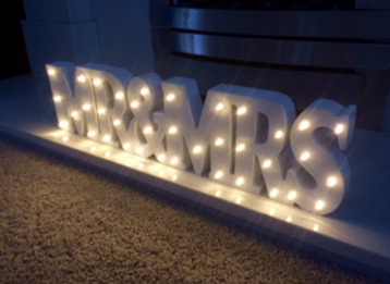 Small light up Mr & Mrs lettering