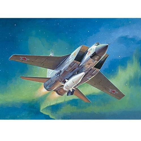 Самолет МиГ-31 БМ с ракетным комплексом Кинжал - Trumpeter 01697 1/72