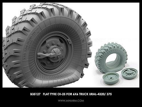 B35127 MINIARM 1/35 Спущенное колесо OИ-25 Урал-4320 / 375 (1 шт)
