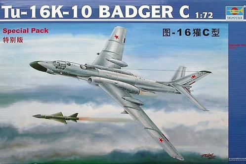 Ракетоносец Ту-16К-10 Туполев, Tu-16K-10, Badger C - Trumpeter 1:72 01613