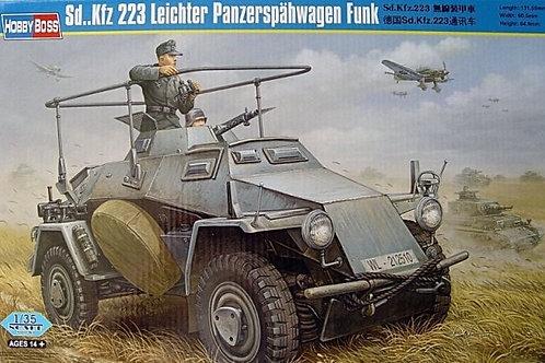 Радиоавтомобиль Sd.Kfz. 223 Funk - Hobby Boss 82443 1:35