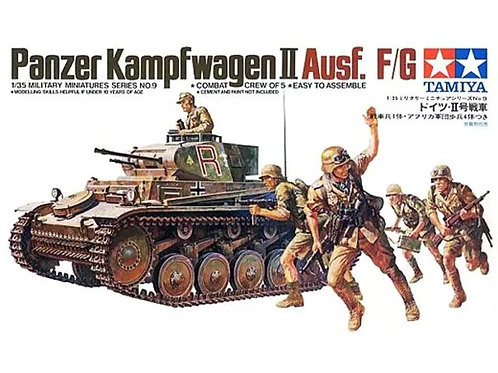 Немецкий танк Pz.II Ausf.F/G + фигурки пехоты - Tamiya 35009 1:35