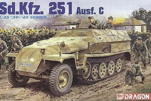 Немецкий бронетранспортер Sd.Kfz. 251 Ausf. C - Dragon 6187 1:35