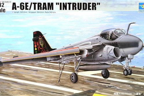 Самолет Grumman A-6E Intruder TRAM - Trumpeter 1:32 02250 - под заказ