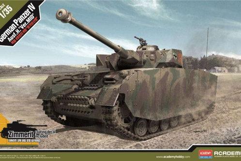 Немецкий танк Pz.IV Ausf.H основная серия, с циммеритом - Academy 1:35 13516