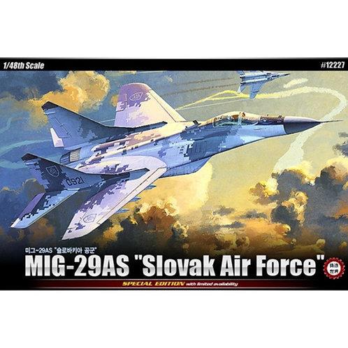 Самолет МиГ-29 АС (ВВС Словакии), специальное здание - Academy 1:48 12227