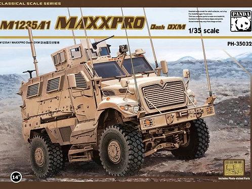 Американский броневик MRAP M1235 A1 MaxxPro Dash DXM - Panda PH350321:35