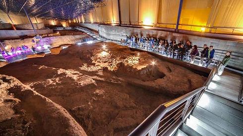 interior-del-museo-y-parque-arqueologico
