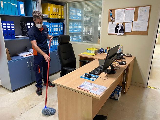 IMG-SERVICIO DE LIMPIEZA.jpg