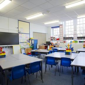¡No te distraigas! La importancia de la limpieza en la escuela.