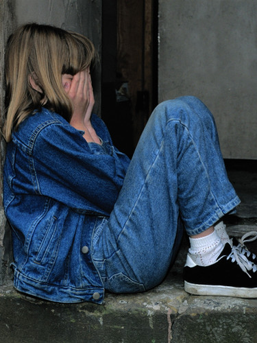 girl-jeans-kid-loneliness.jpg