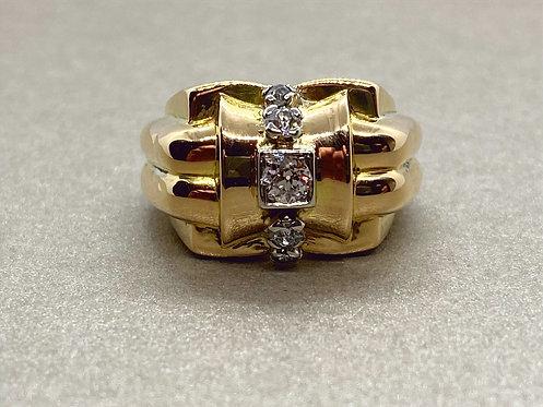Bague Tank années 1940 en or et diamants