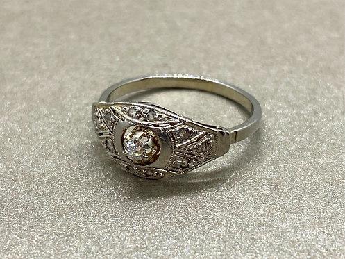 Bague Art Décoen or, platine et diamants