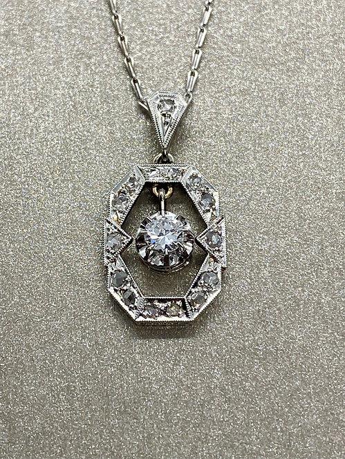 Collier pendentif Art Déco en or, platine et diamants